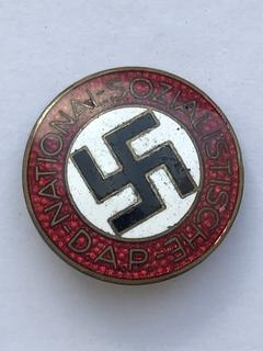 Членский знак NSDAP. Клеймо RZM М1/163