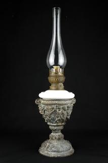 Старая коллекционная керосиновая лампа. Барельеф. Маскароны. 550 мм. Европа. (0369)