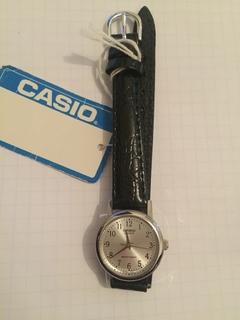 Лот 0117 Новые женские часы Casio (оригинал) LTP-1095E-8BDF