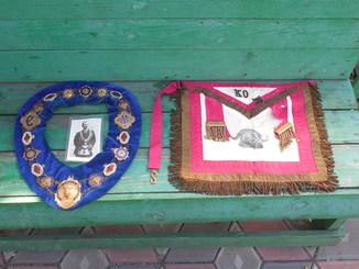 Масонский фартук, шейная лента и фотография ложа буйвола
