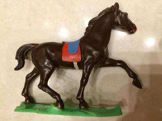 301 Конь    гдр 90