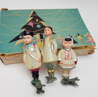 """Набор елочных игрушек """"Дружба народов """" в коробке (узбечка с книгой, чукча (ненец), казак)"""