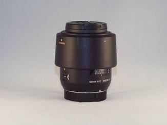Tamron SP 60mm f/2 Di-II LD AF IF