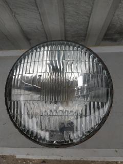 Фара ( элемент оптический ) на ГАЗ ЗаЗ ВАЗ ЛуАЗ УАЗ ВАЗ КамАЗ МАЗ москвич КрАЗ