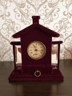 Бархатные часы с фацетными зеркалами