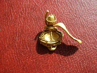 Фрагмент древнего золотого украшения
