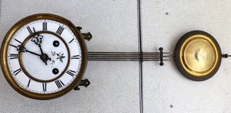 Часовой механизм старинный