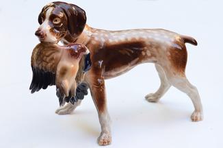 Большая фарфоровая статуэтка «Охотничий пёс с уткой», клеймо ГДР