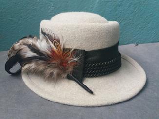 Шляпа охотницы