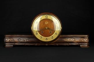 Каминные часы UPG Halle в резном корпусе. Германия. (0408)