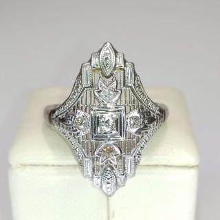 Золотое кольцо периода art deco с бриллиантами