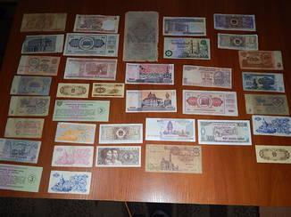 Банкноты 36 шт.Одним лотом. Разные страны