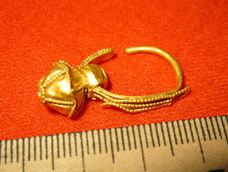 Золота сережка Салтівська культура, Хазари, Алани