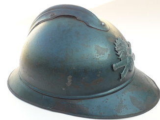 Каска Адриана 1915 года, кокарда французской артиллерии
