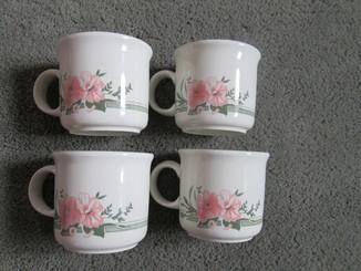 Четыре чайные кружки Англия.