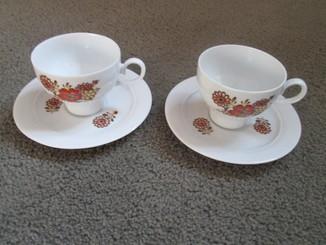 Две чайные пары