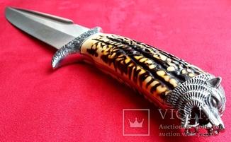 Мощный охотничий нож