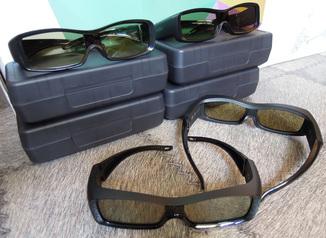 Семейный комплект из 4 пар 3D очков Toshiba FPT-AG01 очки