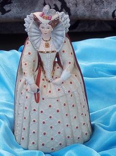 Фигурная статуэтка  Елизавета