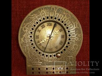 Часы плюс вечный календарь. Винтаж. Европа.