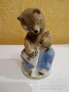 Медведь с балалайкой. Городница ссср