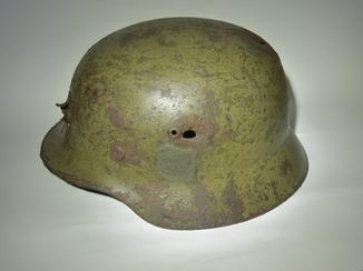 Великий німецький   шолом М-35 SE68