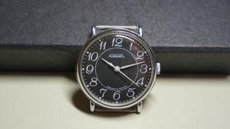 Часы Ракета с черным циферблатом. Сделано в России