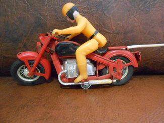 Мотоциклист на управлении