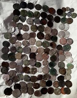 132 монеты,- солиды, венгнрские динарии и фальшаки солидов, боратинок, полушки...