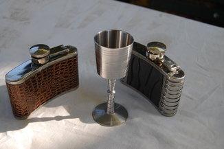 Фляга для спиртного ёмкостью 100 г -2 шт + Стопка