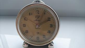 """Часы-будильник """"Мир"""" 1968г."""