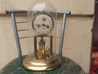 Немецкие часы в колбе