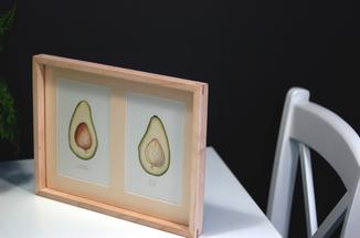 Авокадо. Авторская акварель. Декор для кухни в деревянной раме (клен)