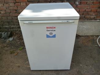 Морозильна камера BOSCH  на 3-4 ящиків 60*85 см  з Німеччини