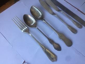 Ложки и вилка серебро + бонус 2 ножа старинных клеймо