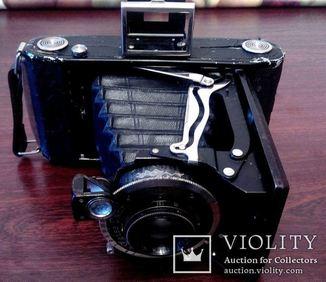 Старинная Фотокамера Zeiss Ikon в футляре.