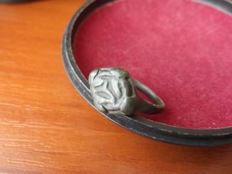 Бронзовый перстень. 9 век. Хазары.