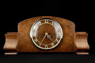 Каминные механические часы с боем. Винтаж. Европа (0469)