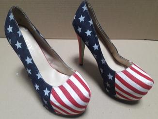 Туфли на высоком каблуке(новые)