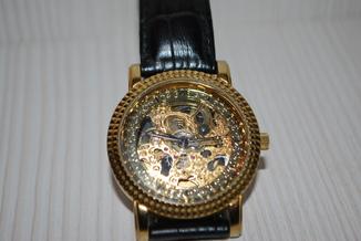 Часы Yves Camani, скелетоны