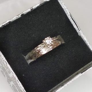 Пара золотых колец (помолвочное с бриллиантом и обручальное)