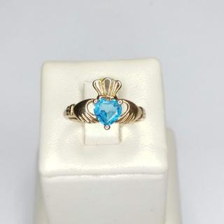 """Золотое """"ирландское"""" кольцо с сердцем и руками"""