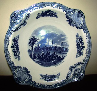 "Большой салатник блюдо  ""Старинные замки Британии"" клеймо Johnson Brothers Англия"