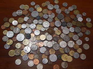 Оптовый лот заграничных монет 157 шт.