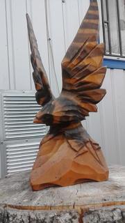 Настольна фігура орла.