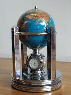 Глобус со вставками из натурального каменя с часами, термометром, гигрометром.