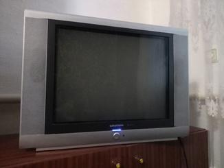 Немецкий телевизор GRUNDIG 55 диагональ, пульт.
