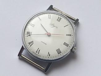 Часы Луч плоские