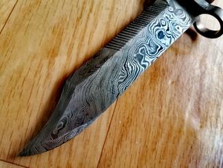 Авторский эксклюзивный штык нож акм с дамасской стали