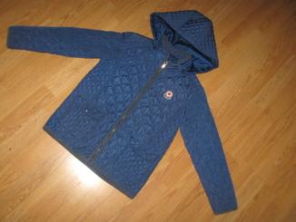 Красива куртка на 8 рочків